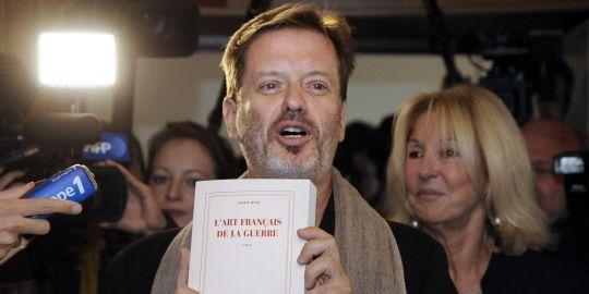 L\'écrivain Alexis Jenni a reçu le prix Goncourt pour son livre \